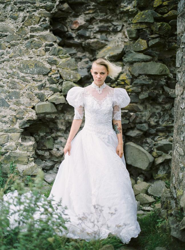 vestido de novia en el bosque (13)