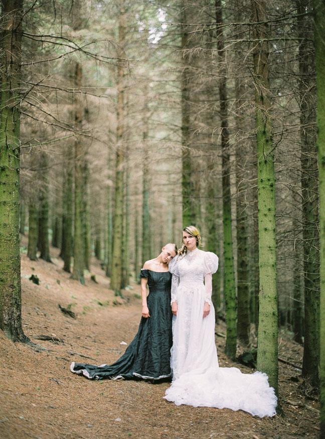 vestido de novia en el bosque (5)