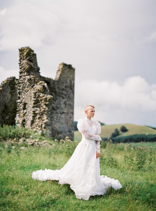 vestido de novia en el bosque (16)