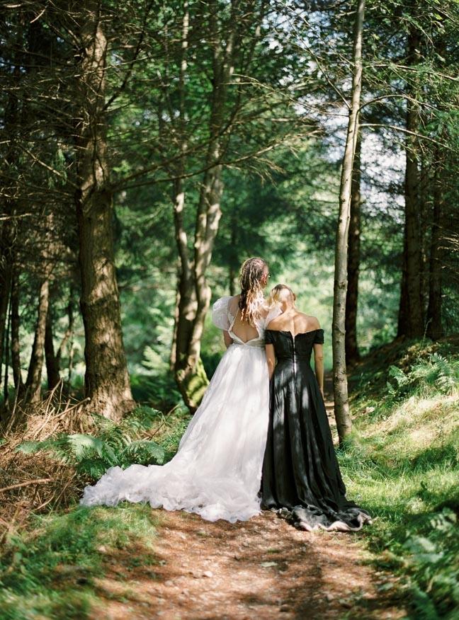 vestido de novia en el bosque (2)