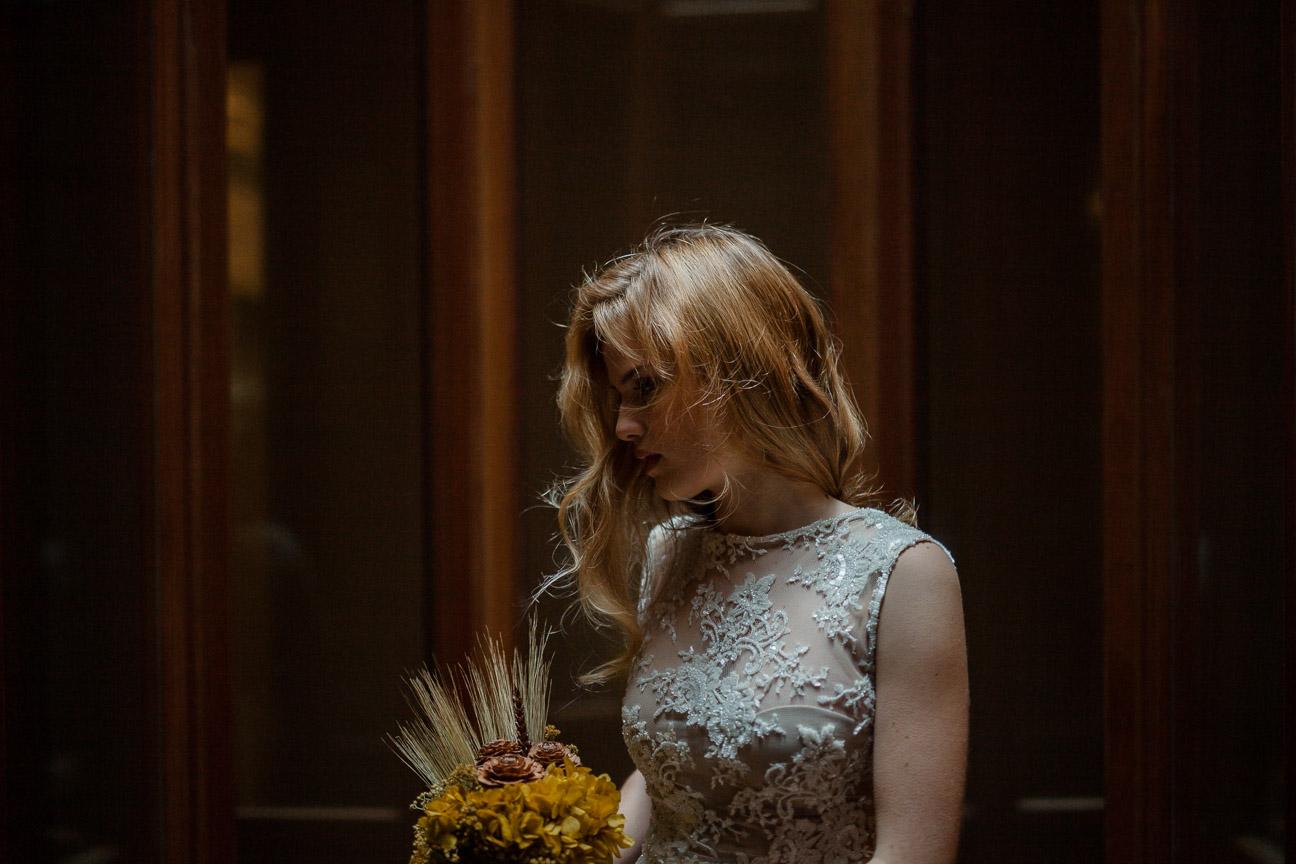 vestido de novia en Valencia fotógrafo de bodas Santos costura