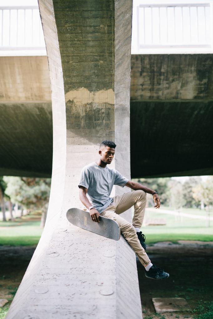 sesión fotográfica con modelo skater en valencia
