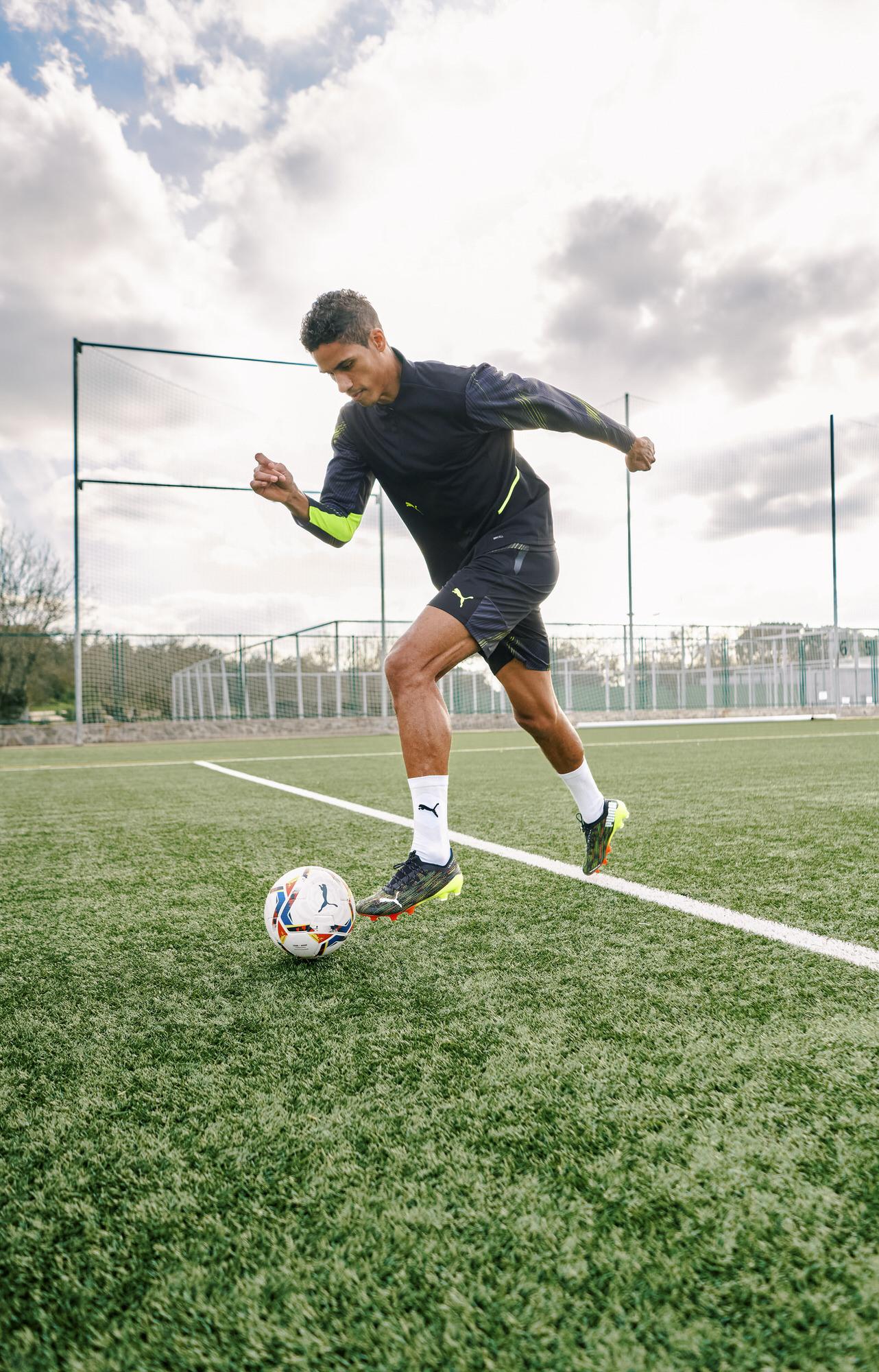 Raphael-Varane-football-player-soccer-02